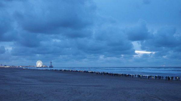 Strand - De Pier, Scheveningen |  Scheveningen Light Walk |  FotoKvL / Ko van Leeuwen |  kvl_171209_1701200.jpg / 09-12-2017 17:01:20